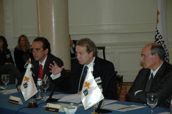 Ignacio Para, introduce el debate