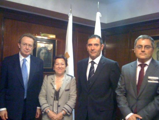 El presidente Ignacio Para, la consejera Pilar Farjas, Francisco Garcia Pascual