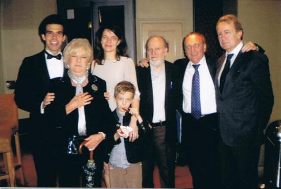 Marisol Cebrián junto al Tenor Alonso, el catedrático Victor Maojo y su familia