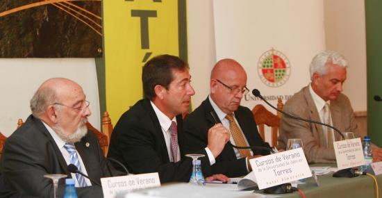 Rafael García, director general de ANEFP, Pere Feliu y Eugeni Sedano de Esteve i