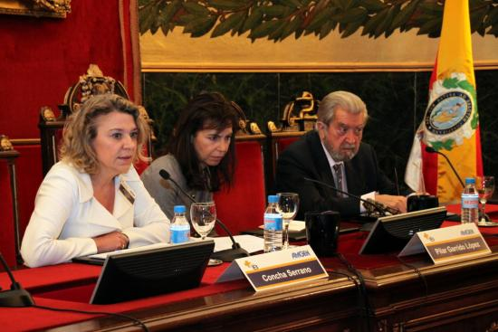 La directora de RRII de Amgen Concha Serrano en la clausura de la jornada