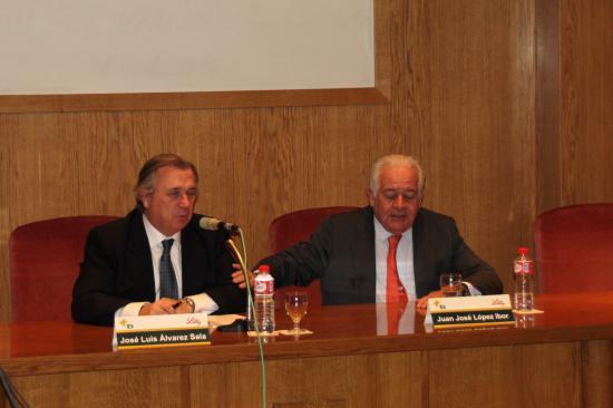 El Dr. López Ibor agradece las palabras del Decano de la Facultad de Medicina de