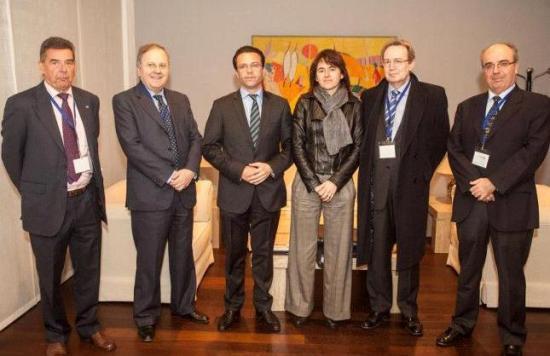 L. Saez, J. Olave y los Consejeros de Madrid y Navarra con Ignacio Para y J. C.