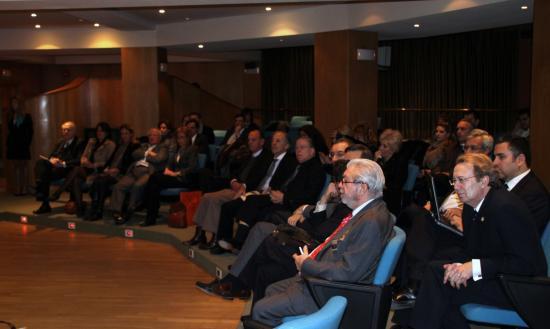 Los asistentes escuchan atentamente la Conferencia del Dr. Lopez Ibor