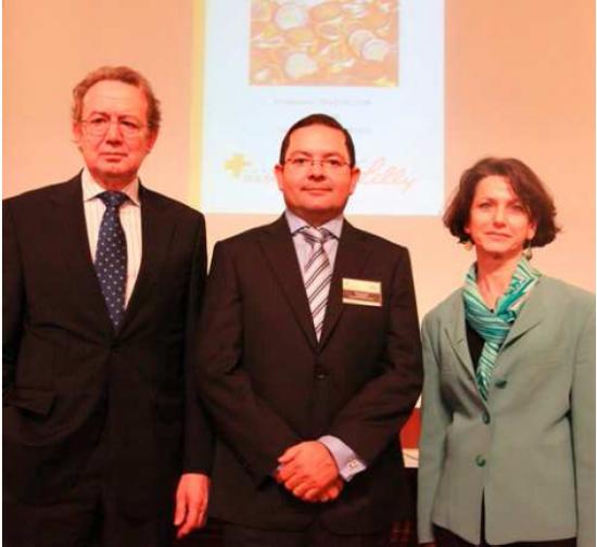 Ignacio Para con el Presidente de Lilly y la representante del CSIC